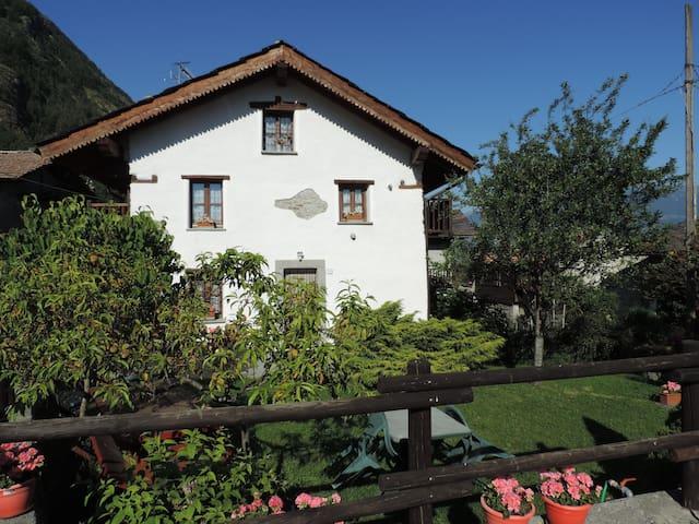Willkommen zum Kleiner Hof, Haus mit Garten - Grand Brissogne - Haus