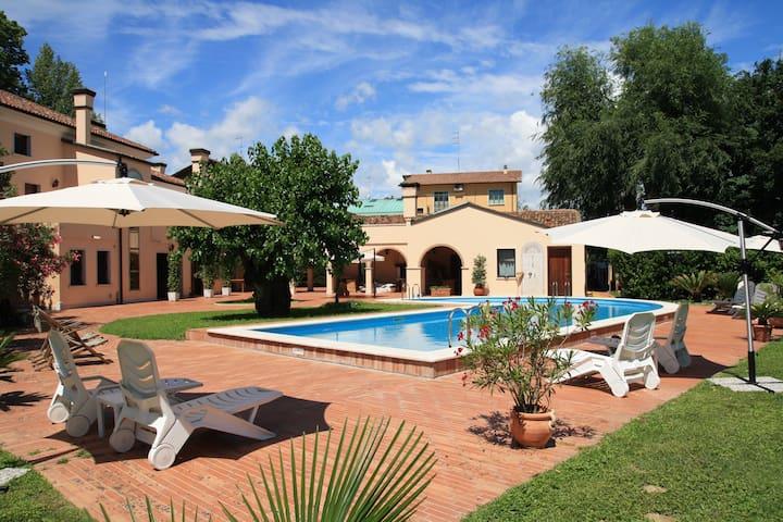 Relax&Venice Giardino Papadopoli - Quarto d'Altino - Bed & Breakfast