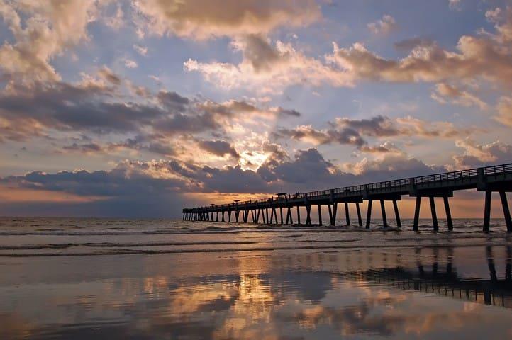 Cozy Beachside Studio - Jacksonville Beach - Lägenhet
