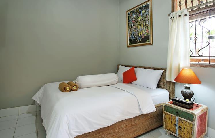 Samblung Mas House / Room 3 Uling Kaja - Denpasar