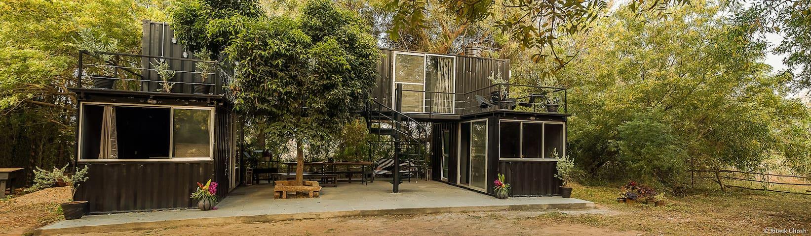 The Black Box - Auroville - Гостевой дом