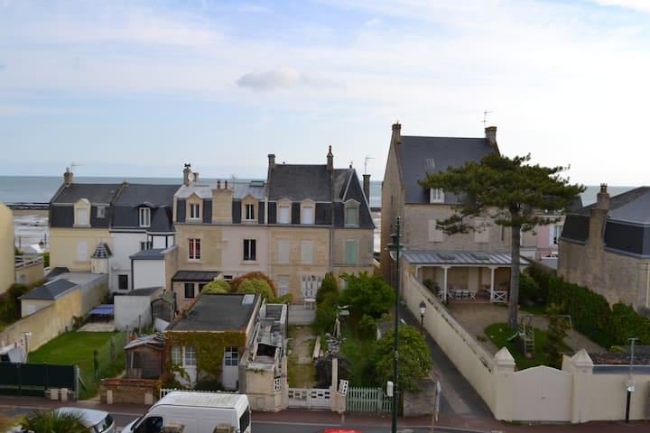 Charmant appartement avec vue sur mer - Saint-Aubin-sur-Mer - Apartemen
