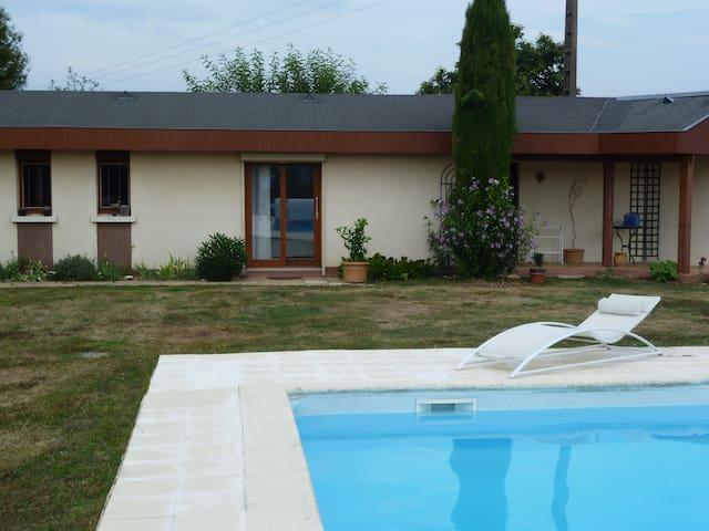 un logement neuf, piscine, vue +++ - Saint-Léonard-de-Noblat - Ev