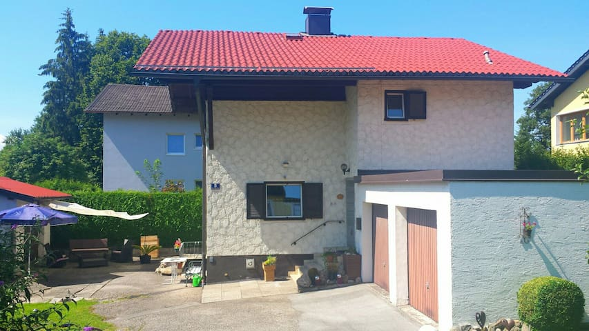 Lovely small House near  Salzburg - Bürmoos - Huis