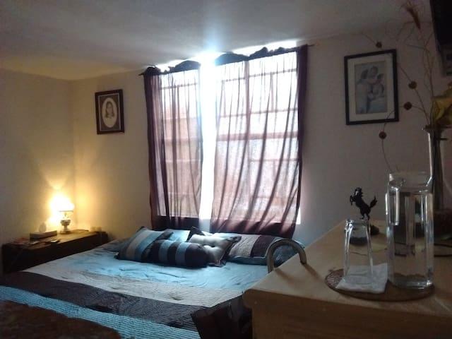 Room nice confortable 100% familiar - Puebla - Huis