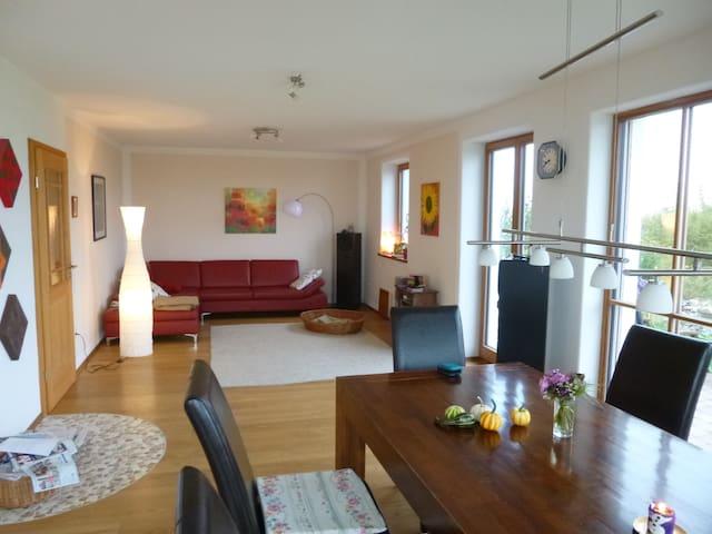 Spacious, silent land-house with phantastic view - Sachsenkam - Casa