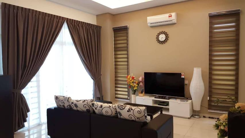Homestay BM(F.b)Family terracehouse - Bukit Mertajam - Casa