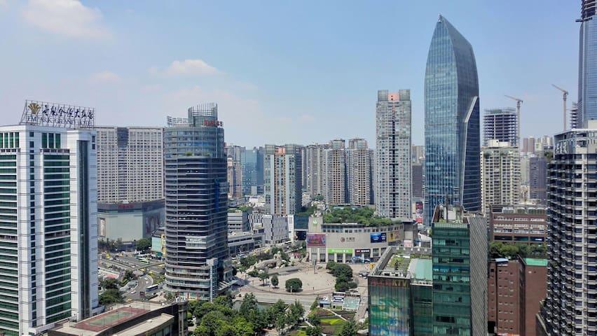 静静小屋 轻轨三分钟 观音桥步行街上 城市中心 推窗尽览3D重庆最繁华璀璨都市夜景  虽繁华却宁静 - Chongqing - Byt