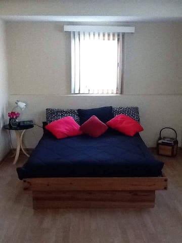 Bedroom 1 London - Hanover Park - Casa