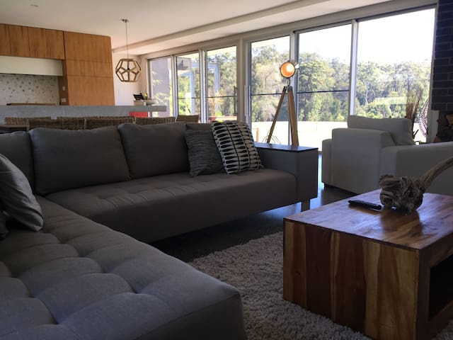Luxury Living - Close to beach and bush side - Wallabi Point - Hus
