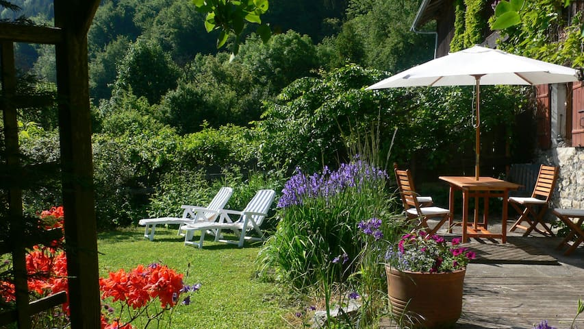 Lovely house with garden in the Alpes - Mont-Saxonnex - Apartmen