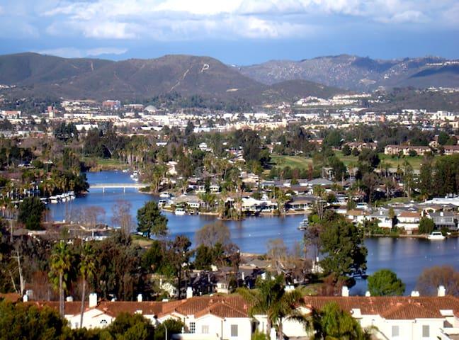 Lake San Marcos Getaway - San Marcos