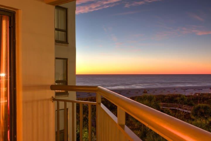 Fantastic Location on Beautiful St. Pete Beach! - St. Pete Beach - Lyxvåning
