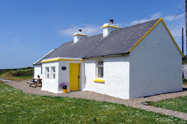 The Yellow Cottage, Doolin - Doolin
