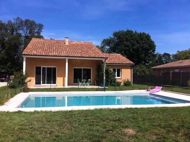 Maison calme, lumineuse et piscine - Plaisance-du-Touch - 一軒家