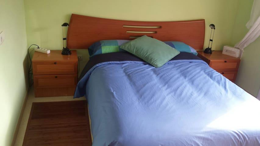 habitacion privada doble luminosa con balcon - Parets del Vallès