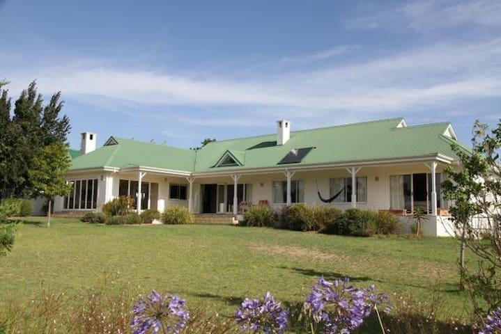 Theewaterskloof Golf Estate - Caledon