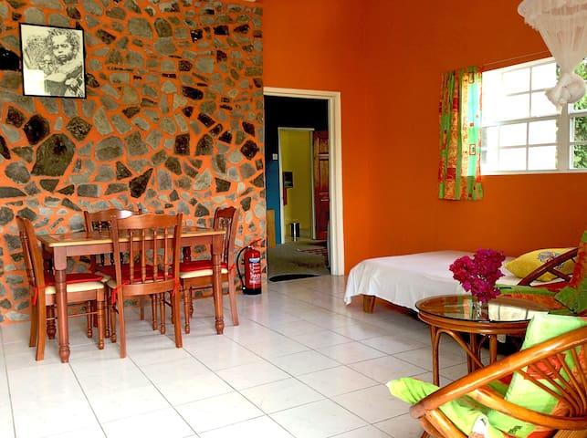 Rainbow Castle Guesthouse Apt.1 - Port Elizabeth