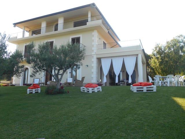 Villa sulla Costa dei trabocchi - Fossacesia - Vila