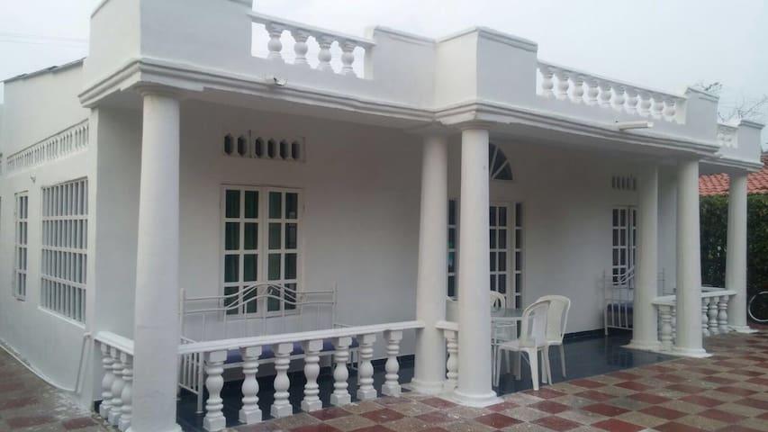 Maravillosa Casa Quinta de Melgar - Melgar - Rumah