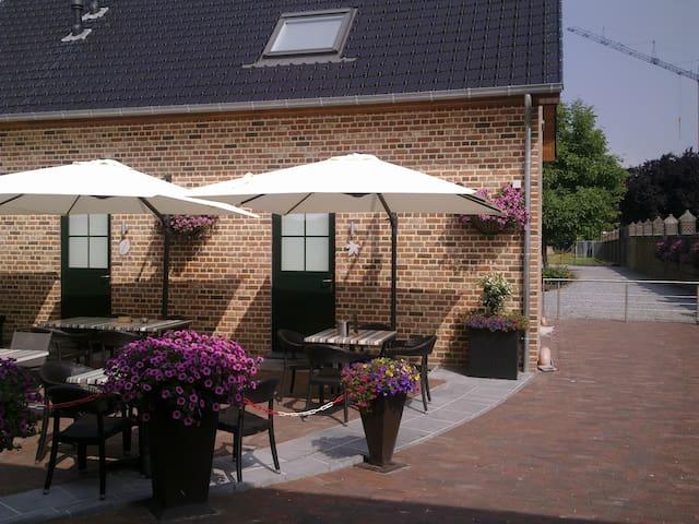 de Taller-Hoeve, Esdoorn - Maasmechelen - Oda + Kahvaltı