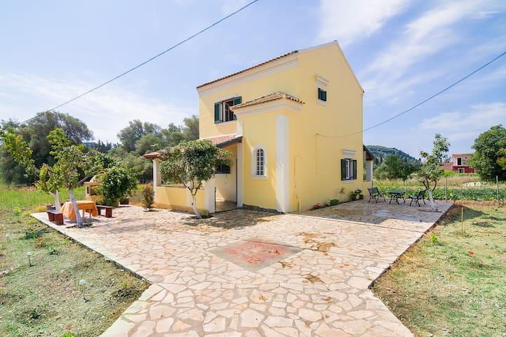 villa avgerinos  ΙΔΑΝΙΚΗ ΒΙΛΛΑ ΓΙΑ ΔΙΑΚΟΠΕΣ - Γαρδενος - Villa