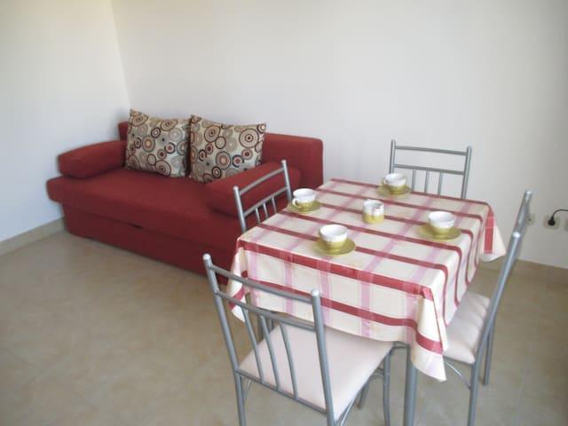 Apartmani Ante Batur 3 - Pridraga
