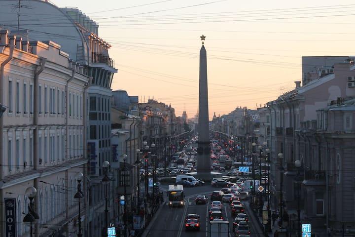 Chambre avec un balcon sur avenue Nevsky - Sankt-Peterburg - Appartement