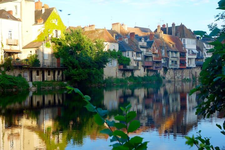 House, Argenton-sur-creuse - Argenton-sur-Creuse - Casa