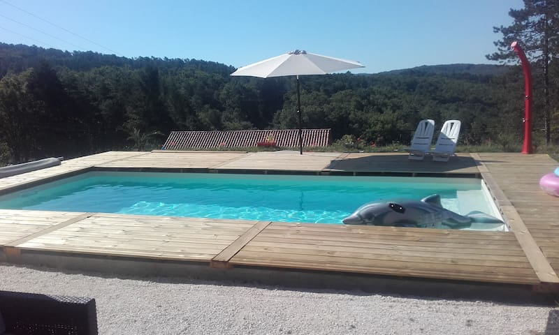 Maison neuve avec piscine proche Montignac Lascaux - Aubas - Huis