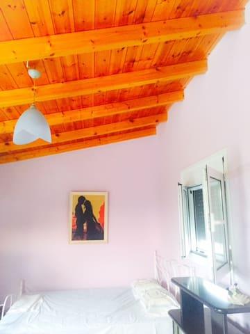 1 bedroom Studio in Kalamata city center - 卡拉馬塔 - Loft空間