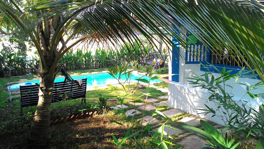 Heritage home with 3 bedrooms & pool in North Goa - Aldona - 別墅