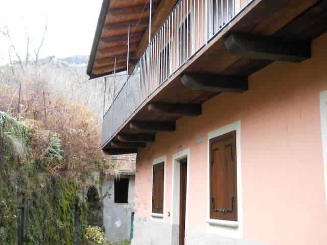 Antica casa nella  Valle del Cervo - San Paolo Cervo - Hus