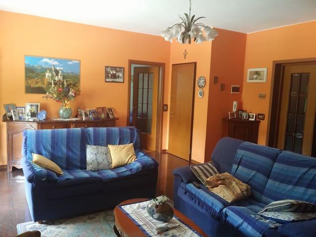 Ampia stanza matrimoniale a Fornovo - Fornovo di Taro - Appartement