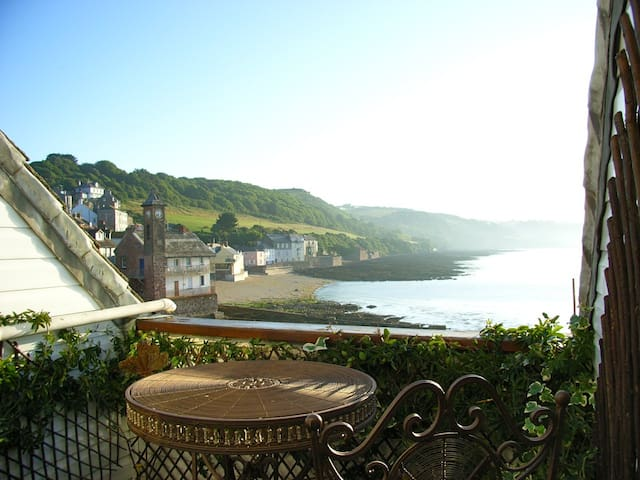 Beachfront House  in Cawsand SE Cornwall - Cawsand - Maison