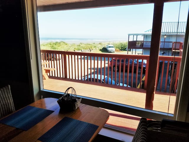 "The Pacific Ocean ""Getaway"" - Rockaway Beach - Departamento"