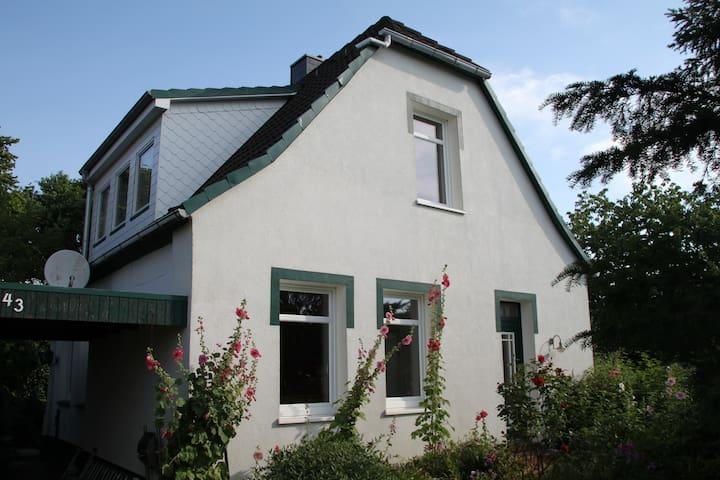 Cottage am Rhin - Glückstadt - Hus