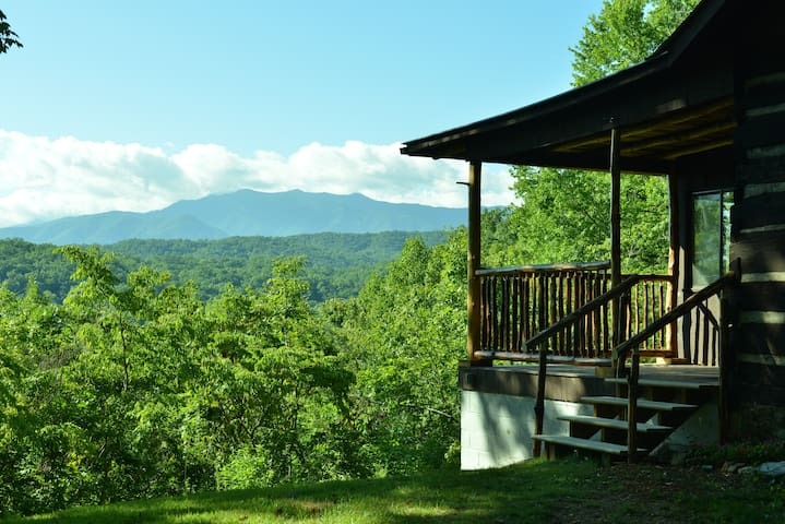 Rustic cabin in private nature reserve - Pigeon Forge - Hytte
