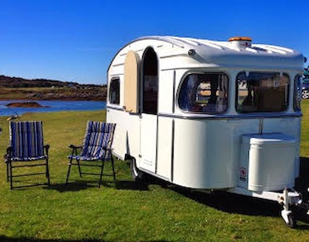 Jinny: Vintage by the beach Arisaig - Arisaig - Husbil/husvagn