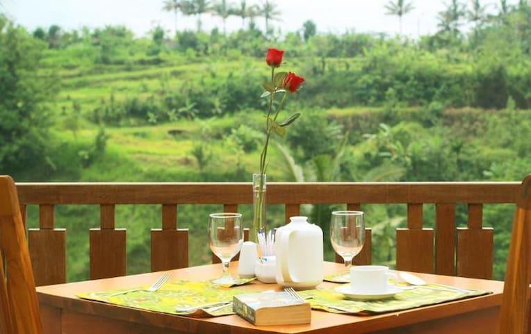 an attractive villa price and stunning views - Payangan - Bed & Breakfast
