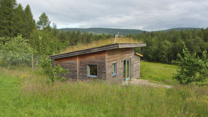 Lovely Studio - rural setting close to city centre - Inverness