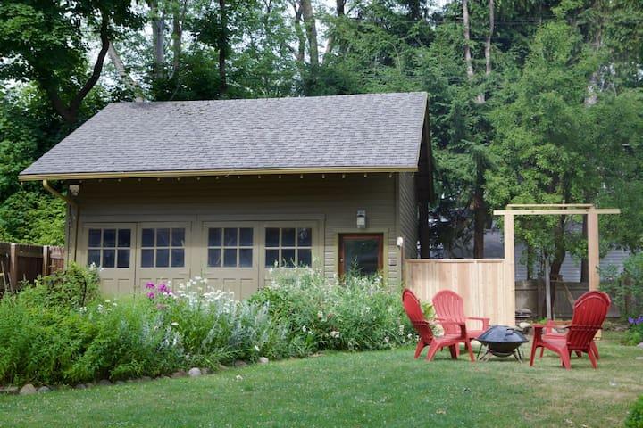 Private Guest House Studio near Buffalo - Búfalo - Loft