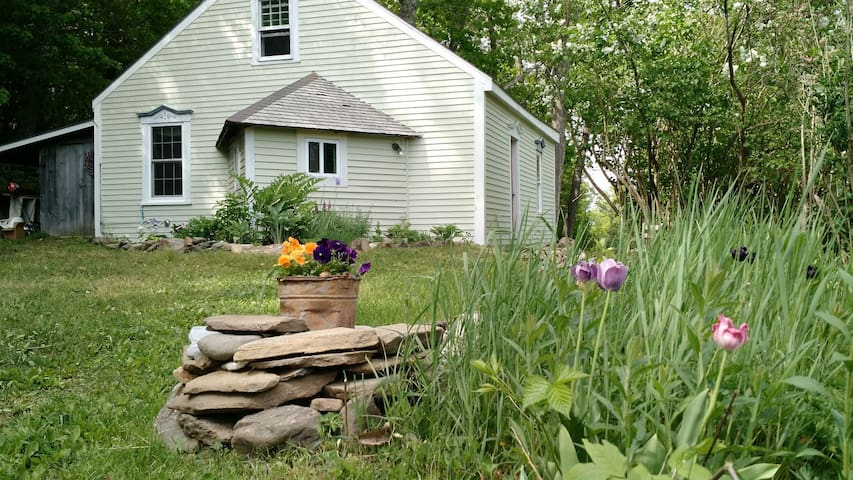 Antique Maine Cottage Near Coast - Union - Casa