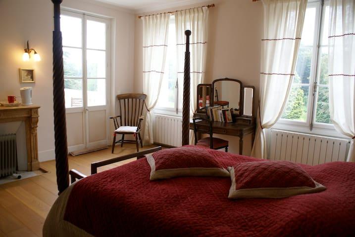 Chambre de charme près Giverny - Cahaignes - Bed & Breakfast