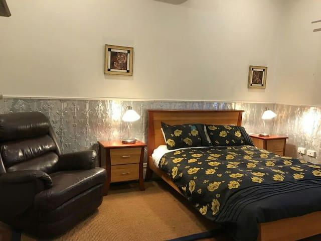 Gorgeous three bedroom heritage home - Beaconsfield