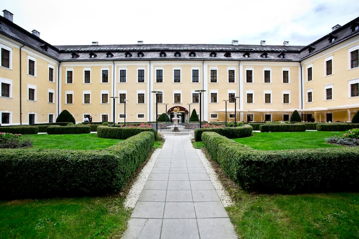 Holiday/Flat in a castle near Salzb - Mondsee