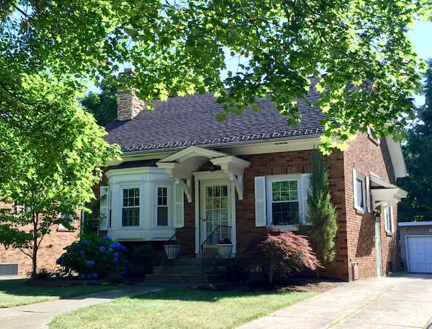 Cottage by the lake - Erie - Rumah