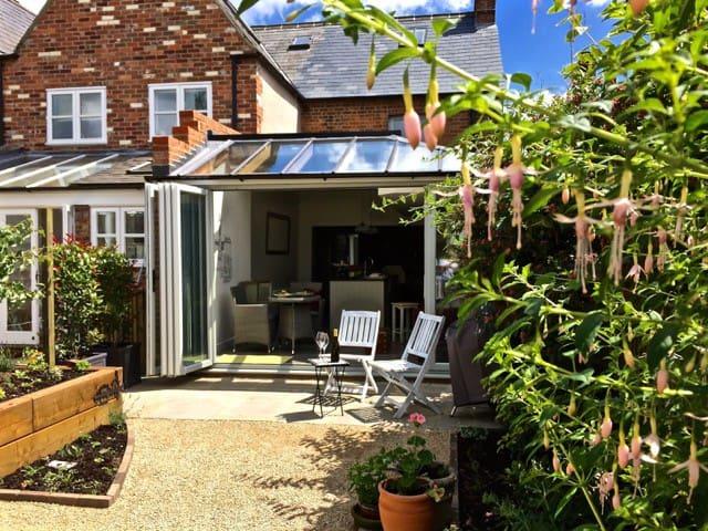 Lovingly restored cottage, blend of the old & new! - Watlington - Huis
