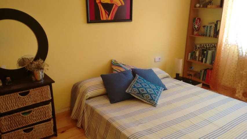Private double room N close to the beach - Valveralla - Bed & Breakfast