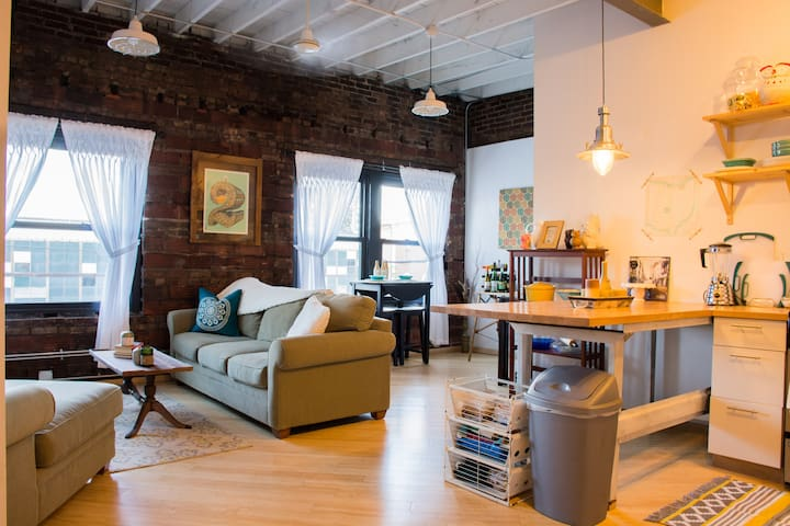 Cozy 1BR in Heart of Hingetown - Cleveland - Departamento